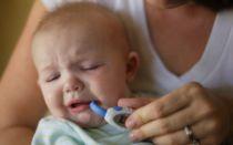 Как эффективно вылечить кашель у младенца, если температура тела не повышается