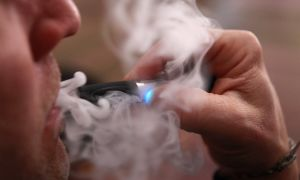 Почему может появляться кашель от электронной сигареты