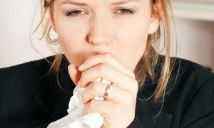 Мокрота при кашле: можно ли ее глотать и не вредно ли это