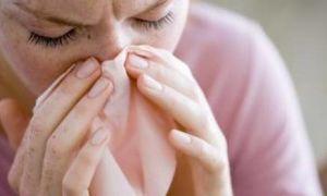 Почему отхаркивается коричневая слизь из носоглотки и как лечить