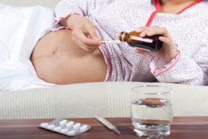 Можно ли пить сироп Доктор МОМ при беременности на 1-3 триместре